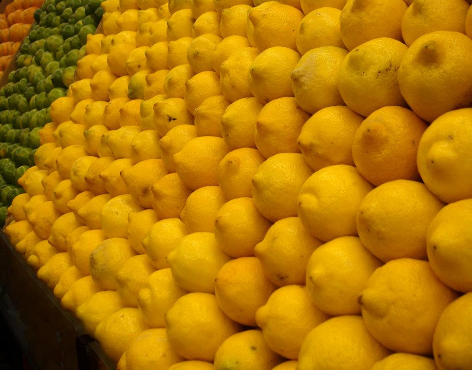 Lemons grow in Florida and California.